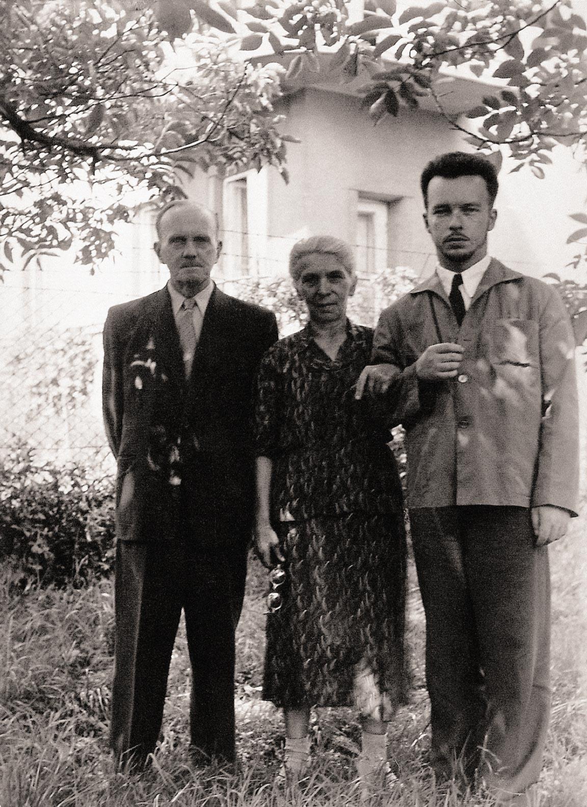 Z rodzicami, 1958