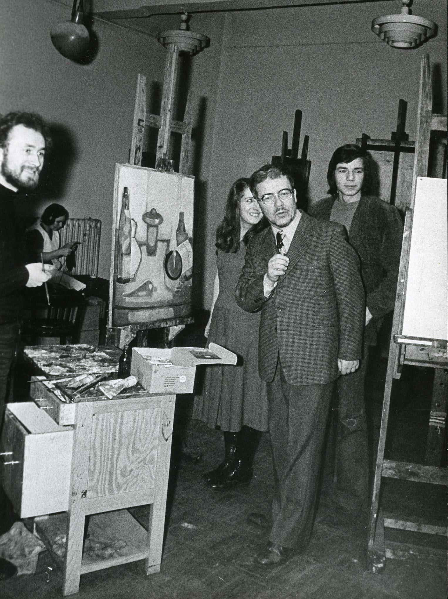 Ze studentami, ok. 1970