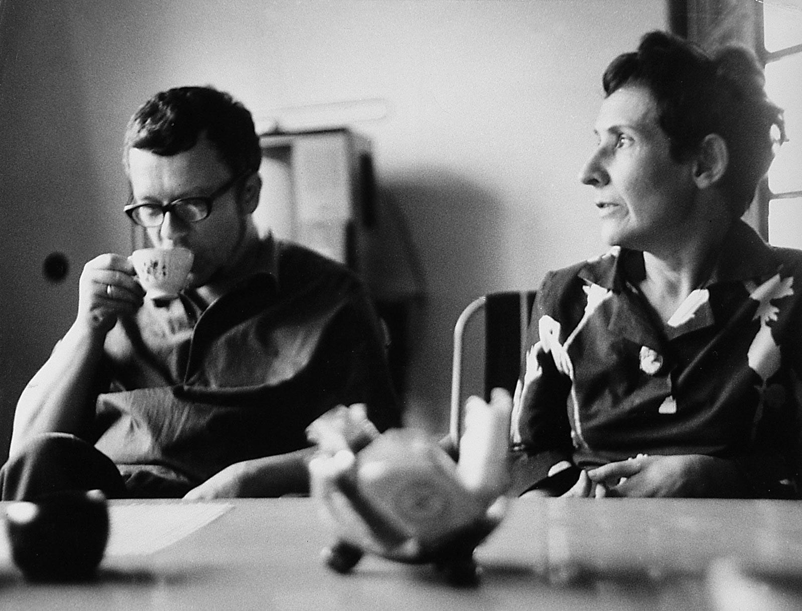 W pracowni. Z żoną Zofią, ok.1970 r